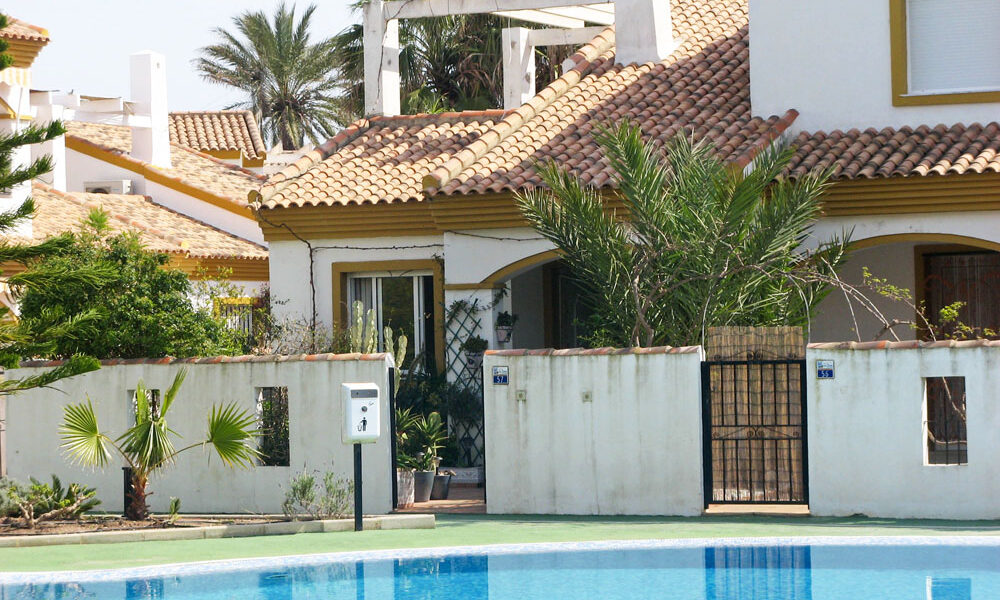 Semi-detached villa for sale in Oliva, Valencia – Ref: 009291