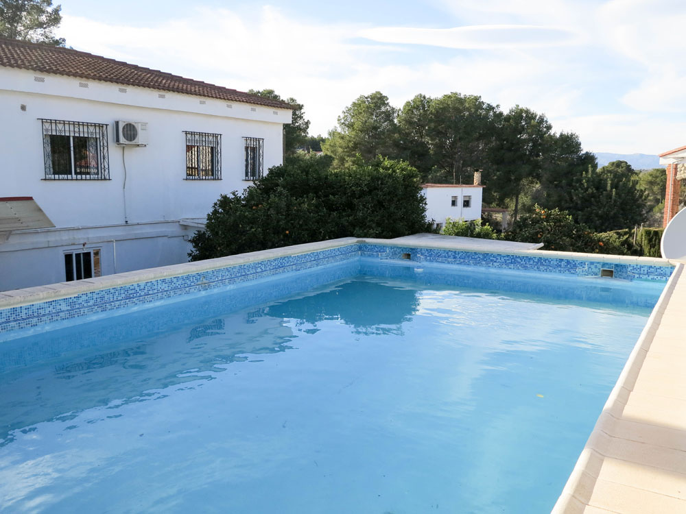 Large villa for sale near the El Bosque golf club Chiva, Valencia – Ref: 017762