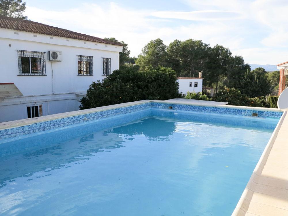 Large villa for sale Chiva Valencia – Ref: 017762