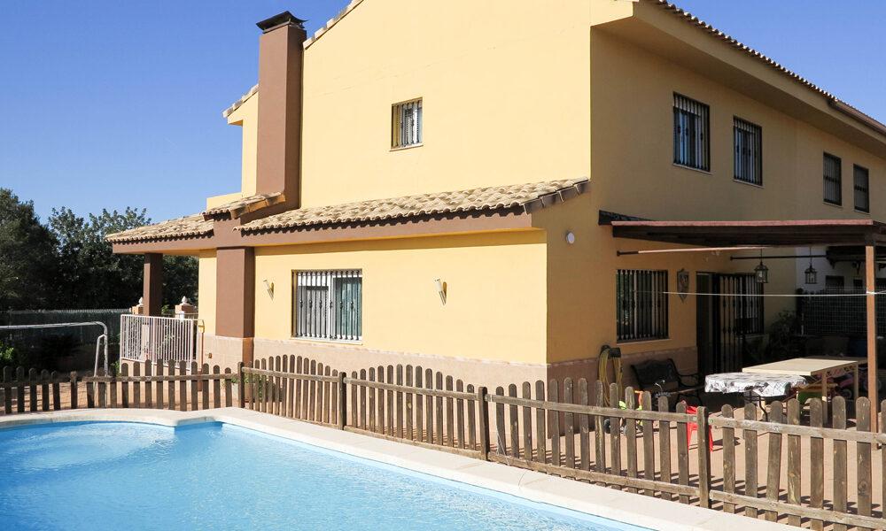 Modern property for sale in Monserrat Valencia – Ref: 017687