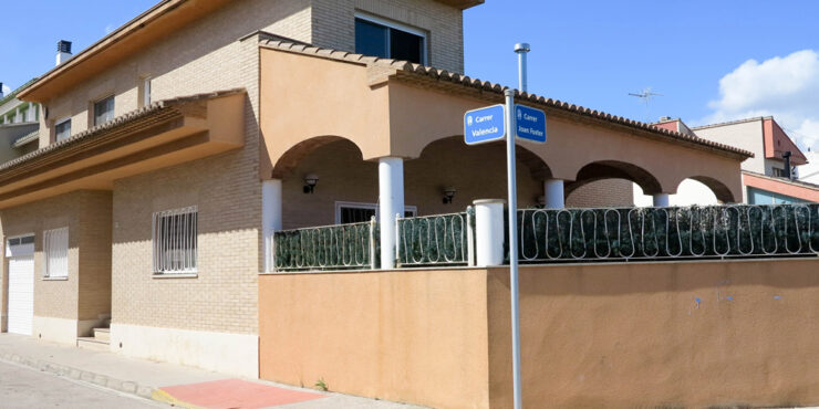 Modern town house for sale in Almoines near Gandia and its beaches – 017717