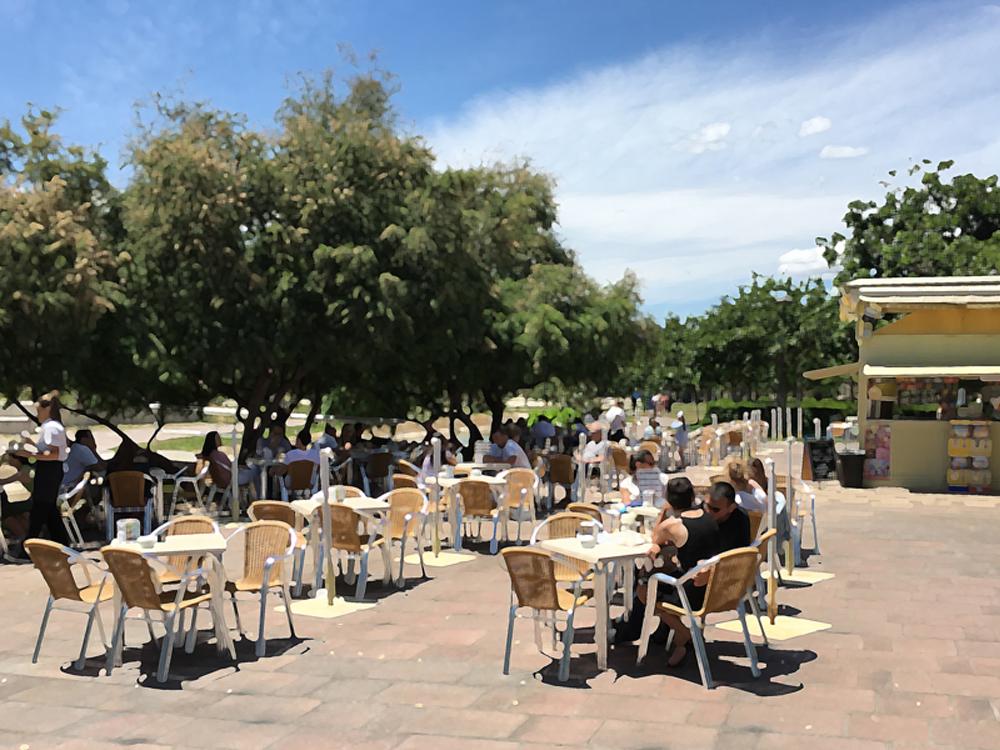 Coffee in Turia copy