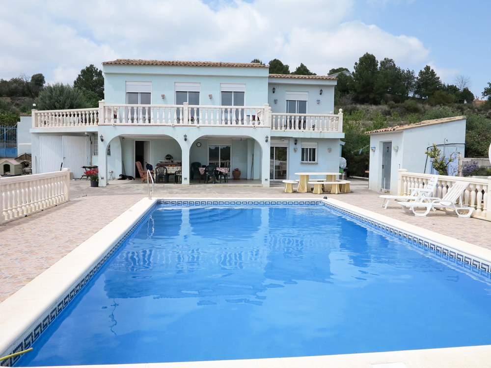 Large country property for sale Montroy Valencia – Ref: 018742
