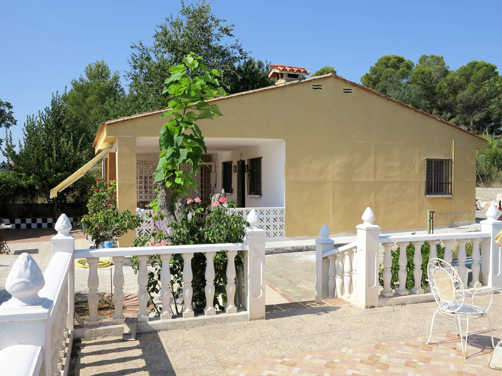 Charming property with views for sale Montroy Valencia – Ref: 018762