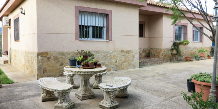 12 year old villa for sale in Turis Valencia – 018781
