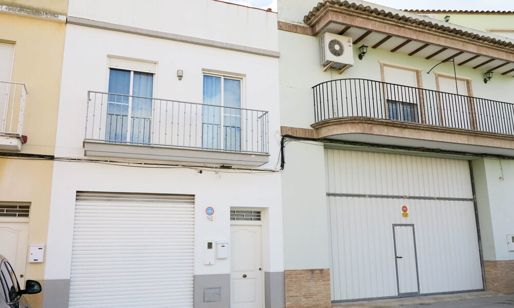 Modern townhouse for sale in Yatova, Valencia – 018784