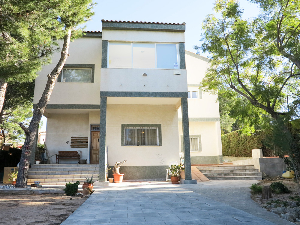 Modern villa for sale on the Virgen de Monserrat, Valencia – 019793