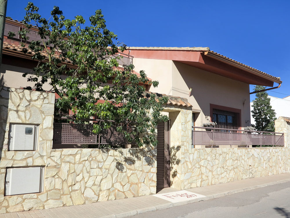 Stunning villa for sale in the town of Montroy Valencia – 019794