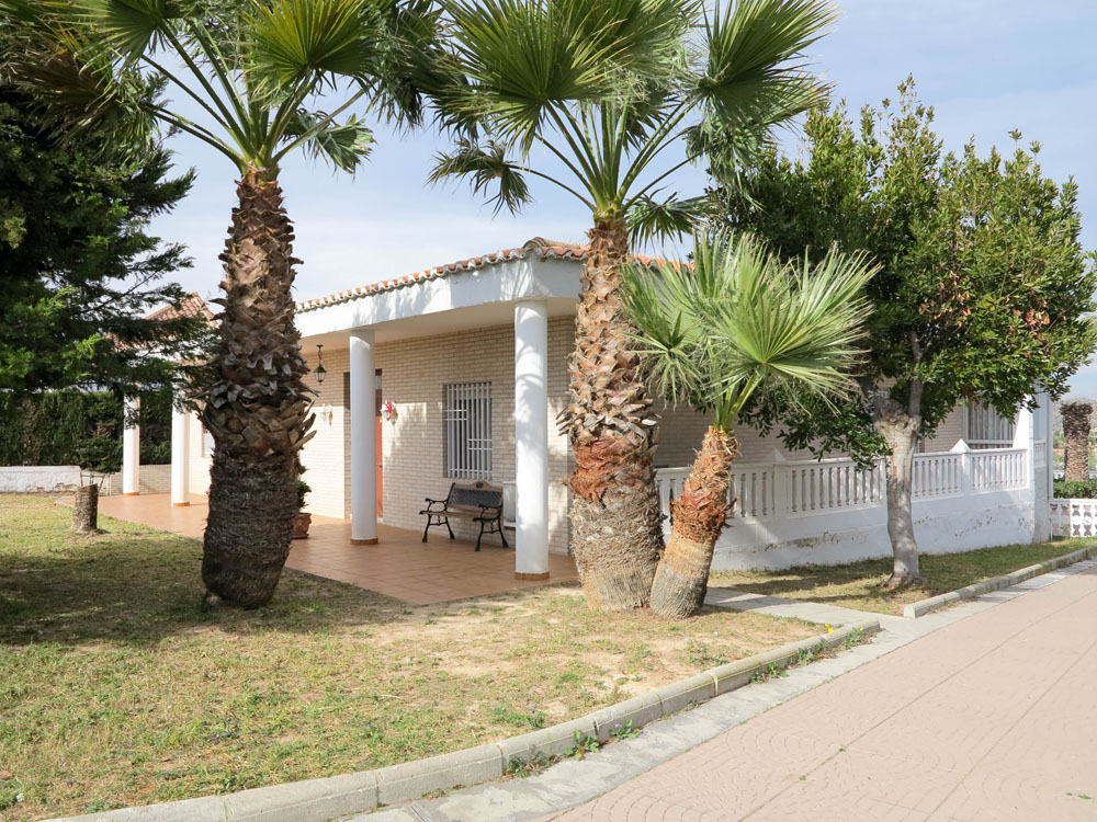 Large villa with great views for sale in Monserrat Valencia – 019798