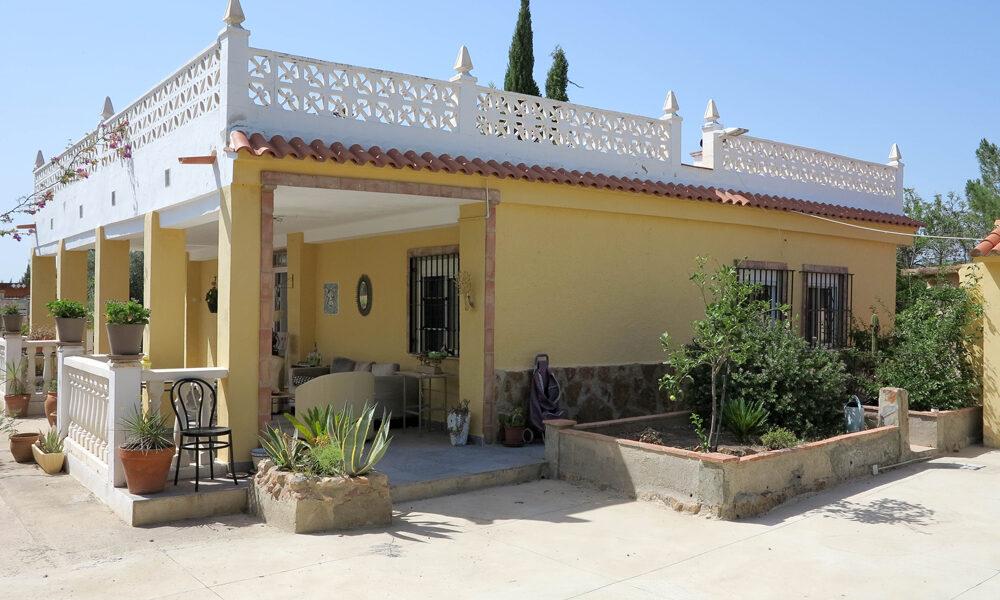 Villa for sale in Lliria, Valencia – 019840