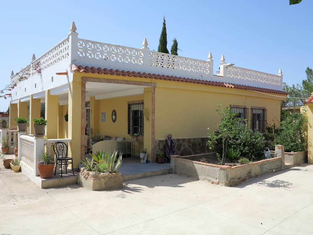 Villa for sale in Lliria, Valencia – 019840