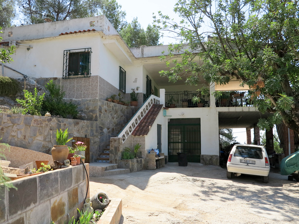 Cheap villa for sale with views of the Llombai river, Valencia – 019844
