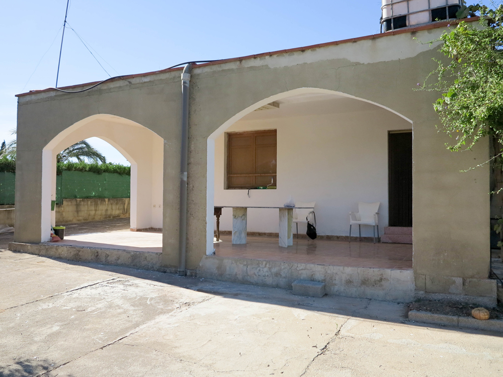 Villa with castle views for sale in Montroy, Valencia – 019850