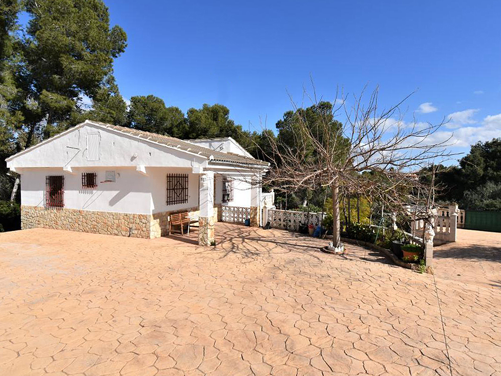 Charming villa for sale on the Torrent border, closer to Monserrat  – 020870
