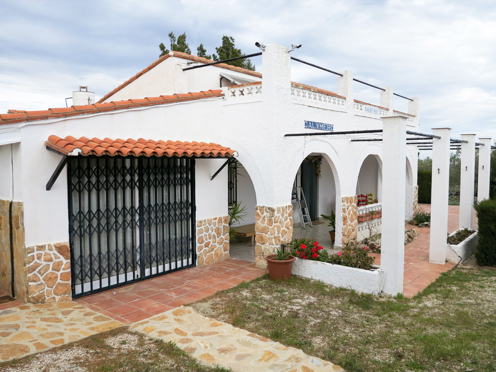 Solar-powered villa with panoramic views Enguera, Valencia – 020874