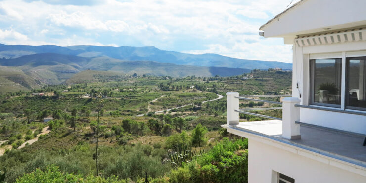 Country property for sale in Macastre with panoramic views – 020888
