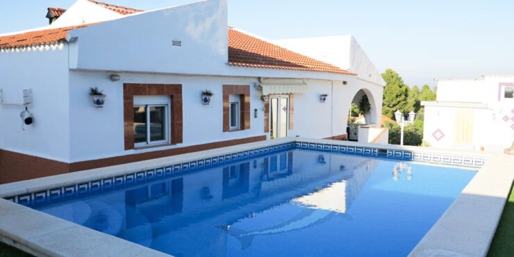 Villa for sale in Pedralba Valencia with separate apartment – 020896