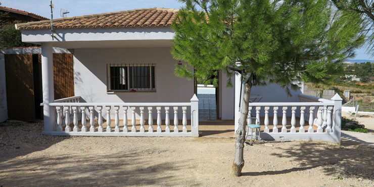 Villa for sale built in 2005, on an urbanisation in Montroy, Valencia – 021911