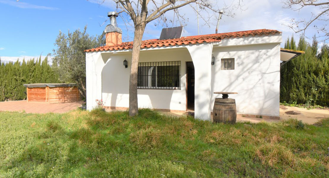 Charming chalet for sale surrounded by nature in Monserrat Valencia – 021912