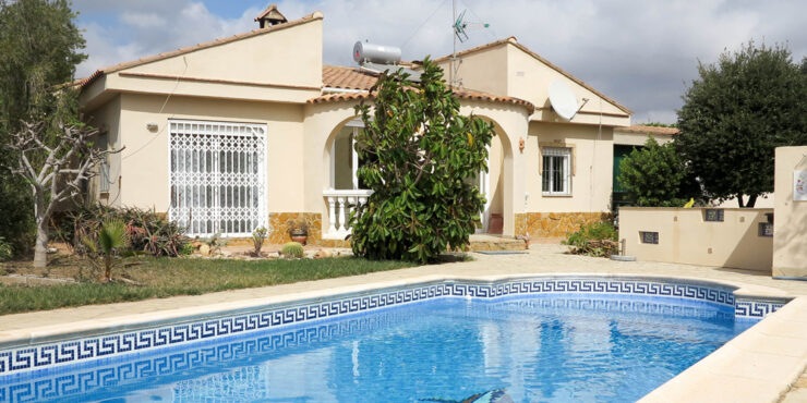 Modern villa with countryside views for sale in Montroy, Valencia – 021926