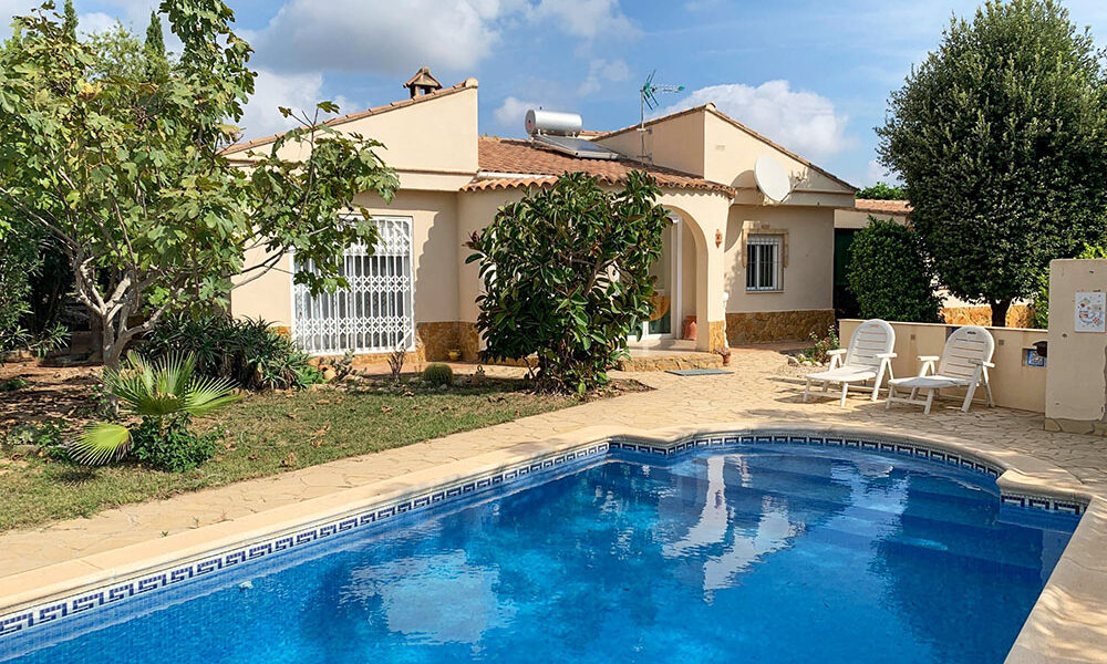 Modern villa with countryside views for sale in Montroy, Valencia – 021926Negotiable