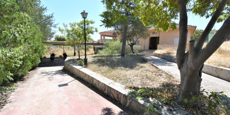 Large house for sale in Monserrat with loads of potential – 021928