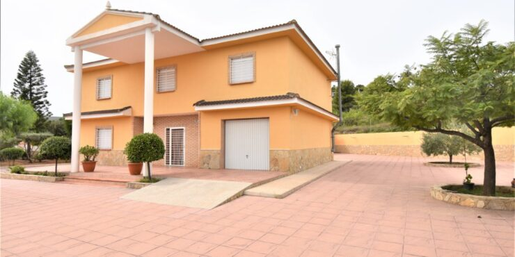 Large property for sale on the Balcon de Montroy urbanisation – 021934