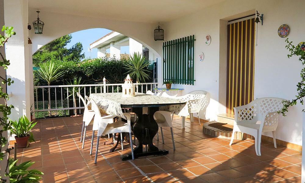 Charming villa for sale Monserrat, on the bus route into Valencia – 021936