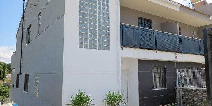 Modern villa for sale walking distance into Monserrat, Valencia – 021942