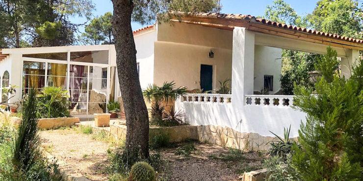 Rustic style villa set in the hills of Macastre, Valencia – 021944